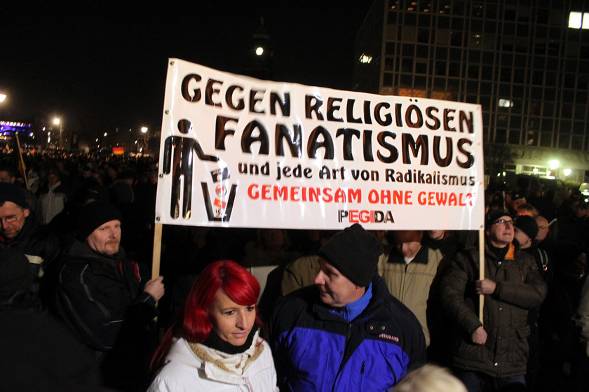 Dresden PEGIDA Demonstration (https://www.flickr.com/photos/strassenstriche/15791838858)